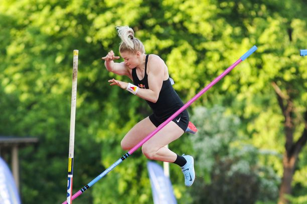 Wilma Murto hyppäsi Lontoon Timanttiliigassa 16 askeleen vauhdilla. Aiemmin kesällä Murto käytti 14 askeleen vauhtia.