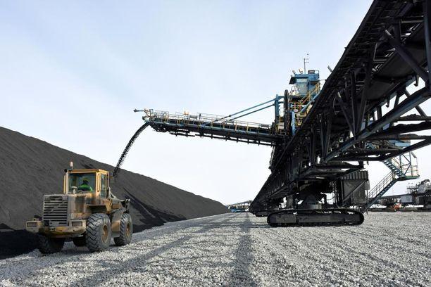 Talvivaaran kaivosalueella esiintyy pieninä pitoisuuksina luonnonuraania.