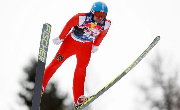 Dmitri Vassiliev olisi rikkonut mäkihypyn ME:n neljällä metrillä, jos olisi pysynyt pystyssä.