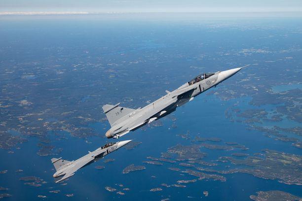 Suomen taivaalla nähdään ensimmäistä kertaa Saabin Gripen E -hävittäjä.
