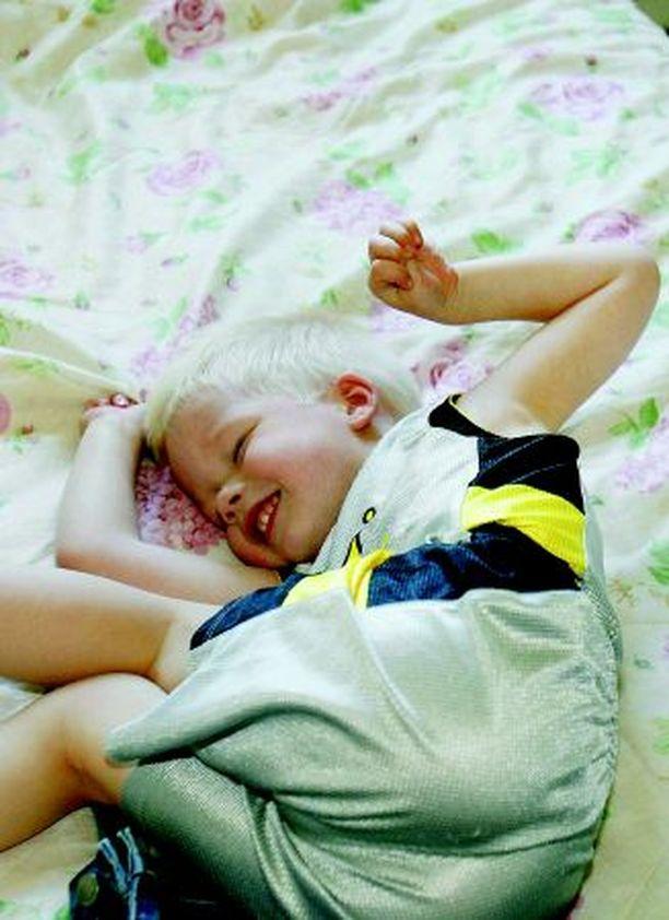 Kasper eli Kassu on iloinen 4-vuotias. Hän aloitti tarhan viime syksynä.