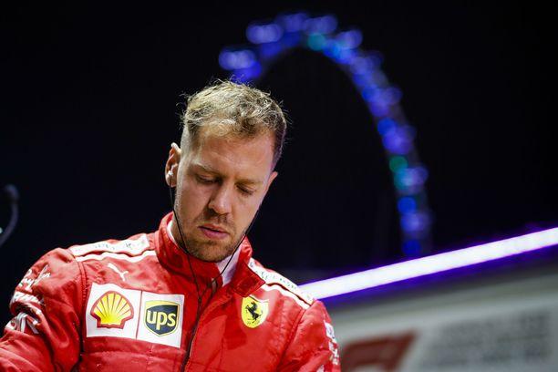 Ferrarin Sebastian Vettel on itse tyrinyt saumansa MM-taistossa.