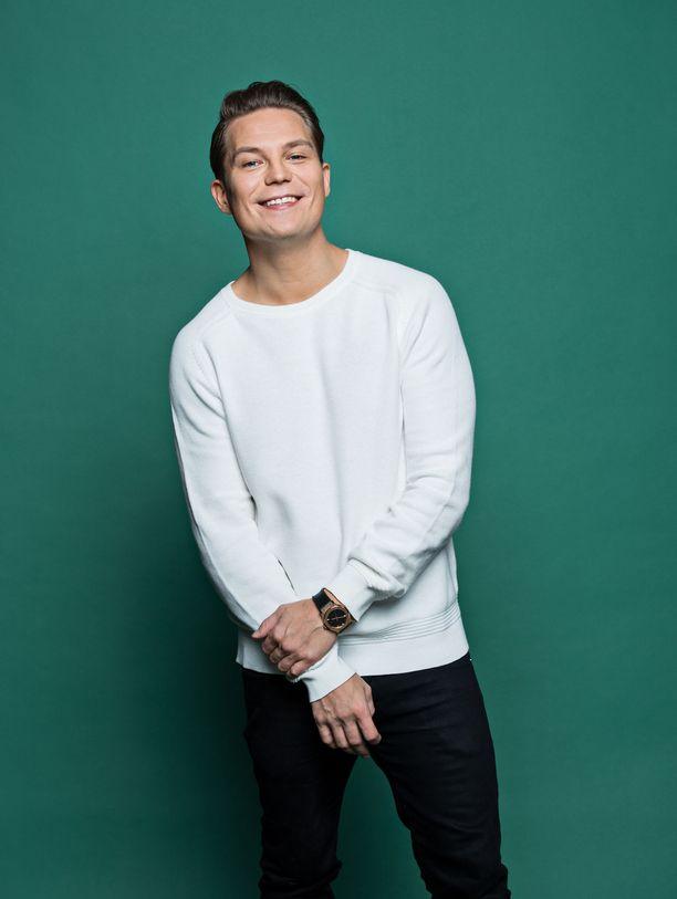 Jare Tiihonen lopetti uransa Cheekinä Lahden mäkimontussa vuosi sitten järjestettyihin megakonsertteihin.