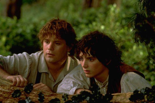 Taru sormusten herrasta -romaanien pohjalta kuvataan televisiosarjaa. Elokuvasarjassa Sean Astin näytteli Sam Gamgia ja Elijah Wood Frodo Reppulia.