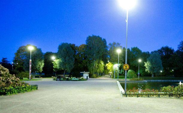 Rikos tapahtui Kaisaniemen puistossa.
