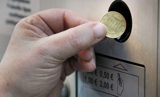 Keskusrikospoliisi epäilee kahta Turun kaupungin kiinteistöliikelaitoksessa työskennellyttä henkilöä jopa satojen tuhansien eurojen kavaltamisesta.