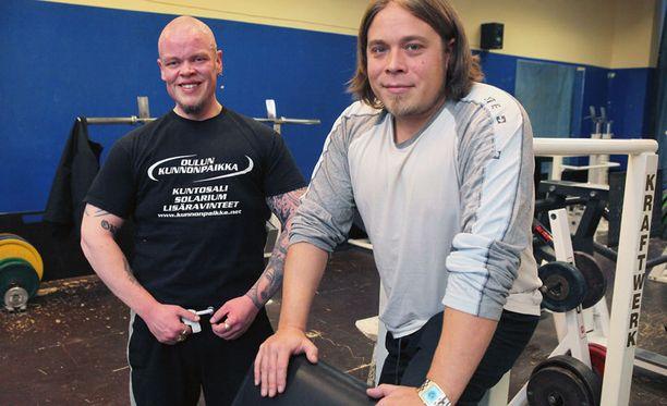Janne ylistää omaa personal traineria Arto Roukalaa.