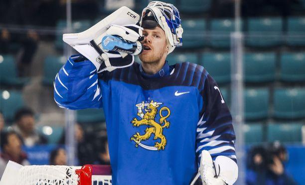 Mikko Koskinen on Leijonien tuki ja turva olympiajäällä.