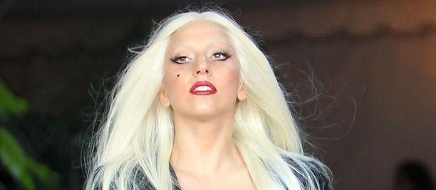 Lady Gaga huolehti faniensa jaksamisesta lähettämällä ruokaa.