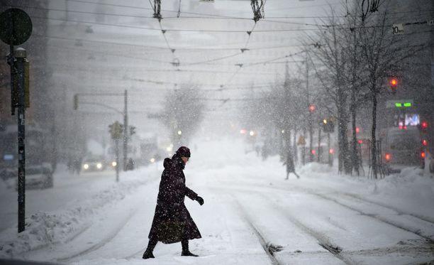 Lumi- tai räntäsateita odotetaan Uudellemaalle torstaiyöstä lähtien.