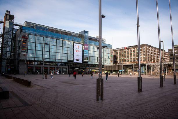 Helsingin poliisi tiedottaa, että yhä useampi väkivaltaisuus liittyy huumeisiin.