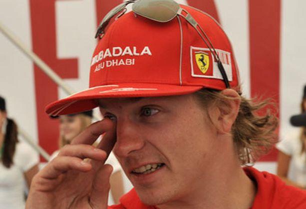 Kimi Räikkönen täysin rinnoin Suomen MM-rallin tunnelmasta.