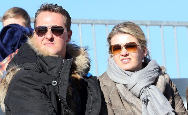 Michael Schumacherin Corinna-vaimo saattaa siirtää miehensä Texasiin.