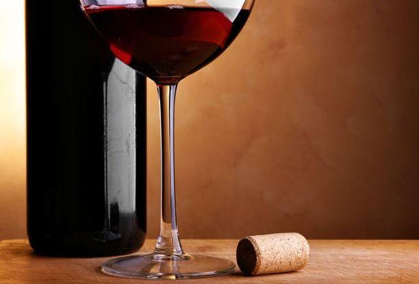 Tutkijoiden valtavirta uskoo, että kohtuullisella alkoholinkäytöllä saattaa hyvinkin olla jonkinasteinen suojavaikutus sydän- ja verisuonitauteja vastaan