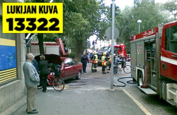 Jalankulkijat olivat vaarassa torstaina iltapäivällä tapahtuneessa kolarissa.