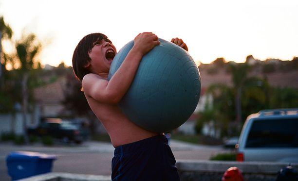 Säännöllinen liikunta voi auttaa purkamaan ja hallitsemaan vihan tunteita.