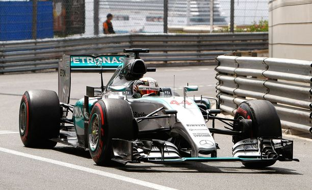 Lewis Hamilton oli aika-ajojen nopein kuski.