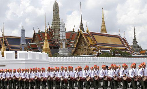Thaimaan armeija harjoitteli viikonloppuna kuninkaan hautajaisia.