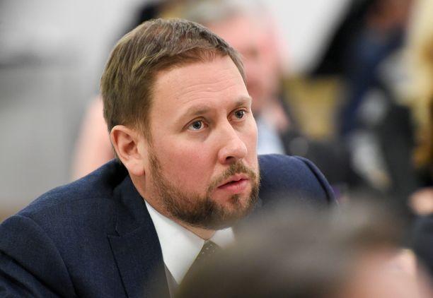 Paavo Arhinmäki on vasemmistoliiton kansanedustaja ja puolueensa ehdokas Helsingin pormestariksi.