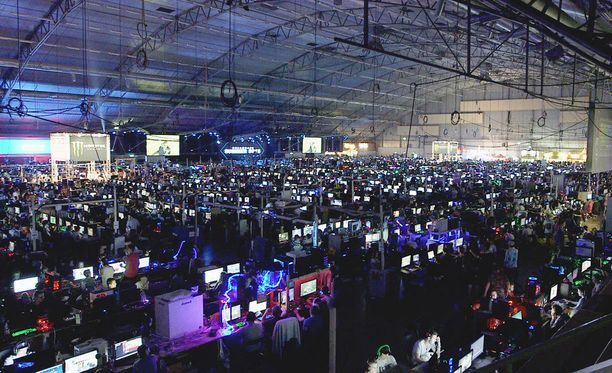 League of Legends -pelit keräävät paikalle runsaslukuisesti yleisöä.
