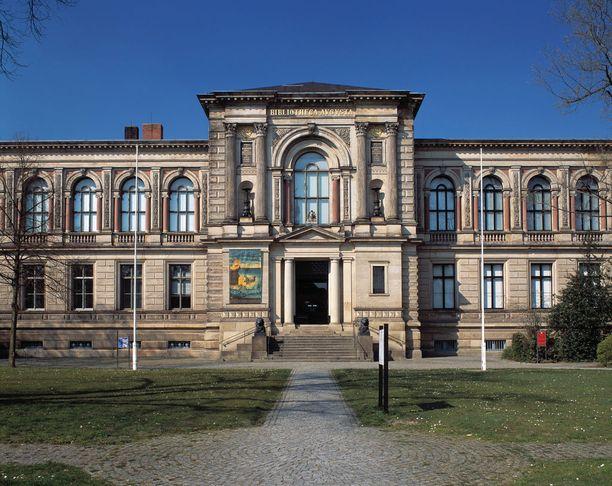 Wolfbenbüttelin Herzog-August-Bibliothekissa on mittava kokoelma vanhoja teoksia.