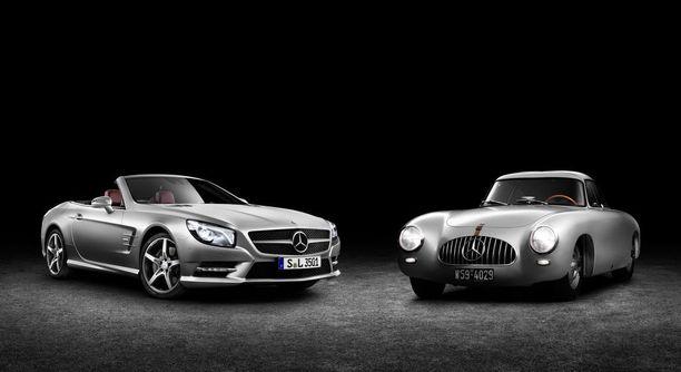 Harvinaisia herkkuja Suomessa nämäkin: Mercedes-Benz 300 SL W194 1952 ja SL R231.