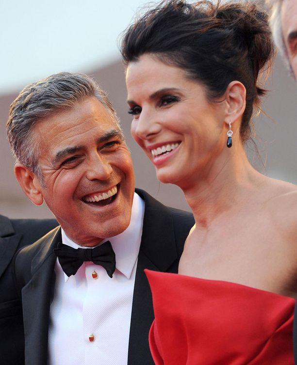 George Clooney ja Sandra Bullock ovat vanhoja ystäviä. Pari näyttelee yhdessä uudessa Gravity-leffassa.