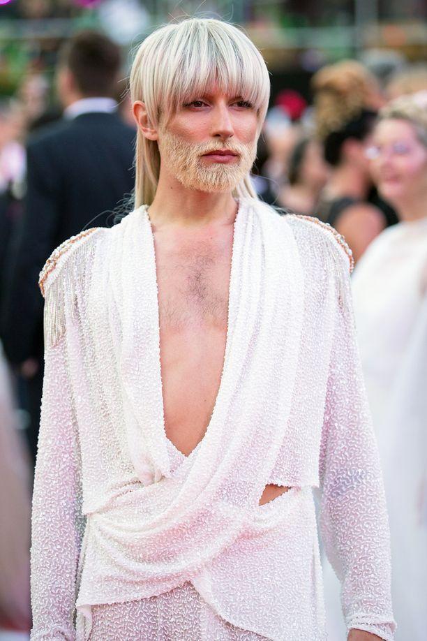 Conchita Wurst on nykyään blondi.