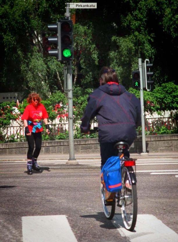 Sovellus ennakoi liikennevalot ja lähettää pyynnön vihreistä valoista.