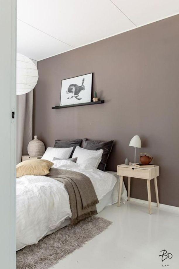 Murretut sävyt ja pehmeät materiaalit sopivat täydellisesti seesteisen makuuhuoneen tunnelmaan.