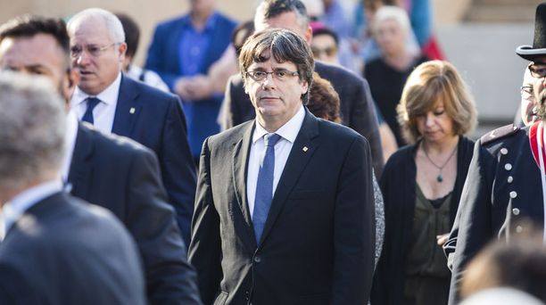 Carles Puigdemont ehdotti taas neuvotteluja Espanjan pääministerille.