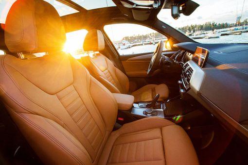 BMW:n urheilulliset etuistuimet ovat erityisesti pitkälle kuljettajalle alan parhaimmistoa.