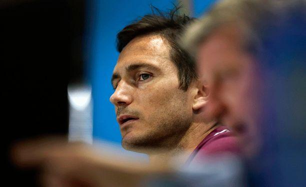 Frank Lampard kipparoi tänään Englantia.