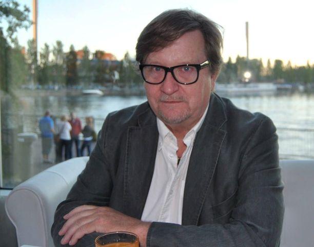 Harri Pajari pettyi Itä-Suomen aluehallintoviraston viestiin: 500 hengen yleisörajoitus koskee myös drive-in-konsertteja – ilman poikkeuksia.