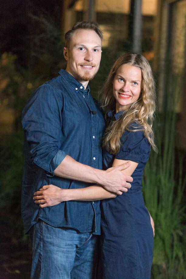 Antti ja Mira ovat mukana Nelosen uutuusohjelmassa Sex Tape Suomi.