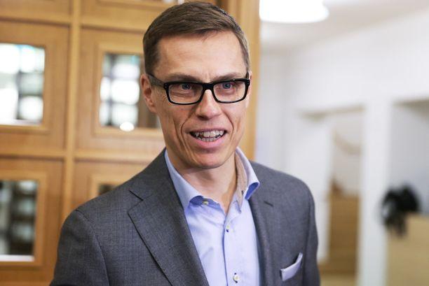 Keskustan Juha Sipilä hyväksyi nopeasti kokoomuksen Alexander Stubbin ehdottaman EU-linjauksen.