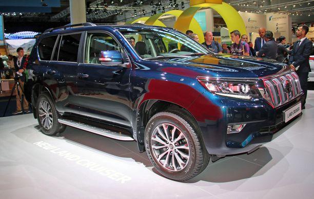 Toyota Land Cruiser: hintanousu version mukaan 5400 - 14000 euroa.
