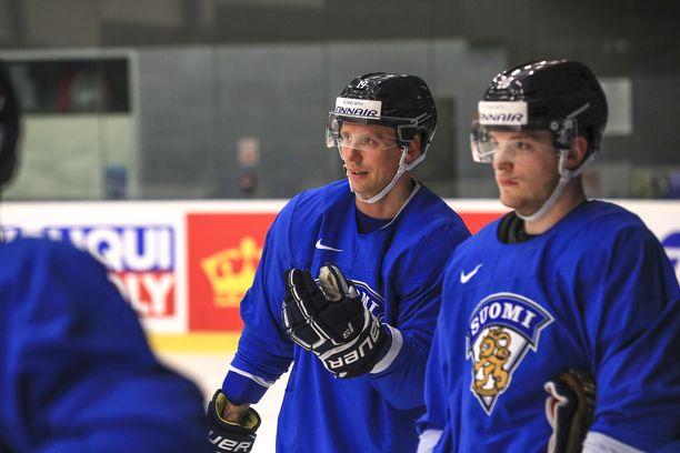 Veli-Matti Savinainen ihastelee Suomen nuoria pelaajia.