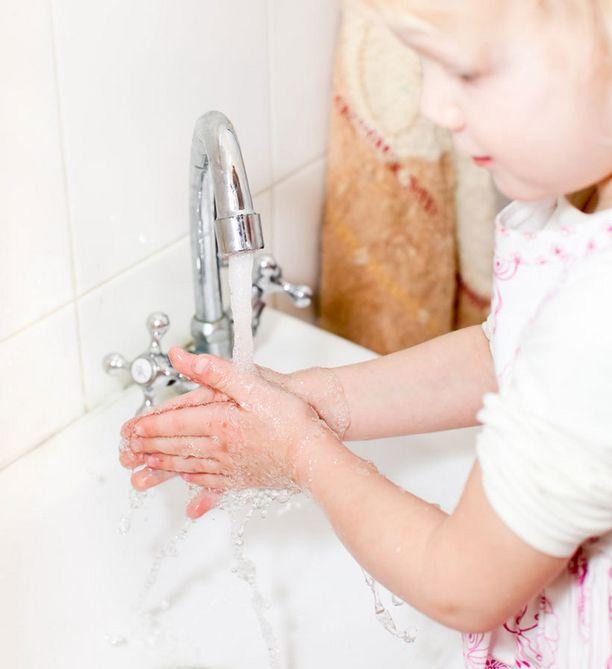 Tavallisesti ihmiset käyttävät käsienpesun jälkeen kuivaamiseen aikaa alle 20 sekuntia.