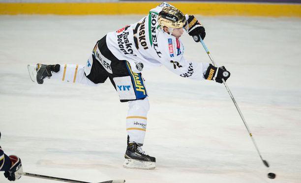 Kärppien Joonas Donskoi ampui kaksi maalia ja sai valmentajan kehut.