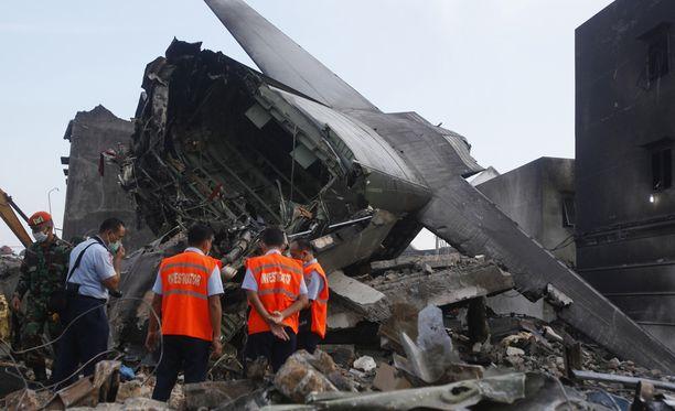 Pudonnut kone oli yli 50 vuotta vanha Hercules C-130.