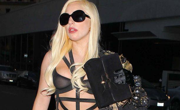 Lady Gaga teki hiljattain Twitter-historiaa saatuaan ensimmäisenä yli 20 miljoonaa seuraajaa. Nyt mikroblogipalvelun seuratuimmalla henkilöllä on jo lähemmäs 30 miljoonaa seuraajaa.