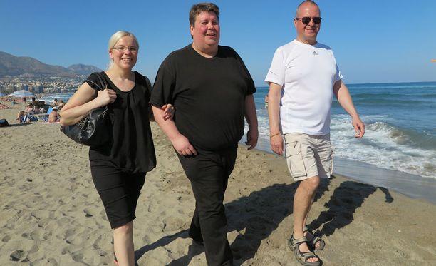 Seija ja Timo Eskelinen myivät omaisuutensa ja muuttivat Aurinkorannikolle. Petteri Keinäselläkin on menossa jo toinen kesä Espanjassa.