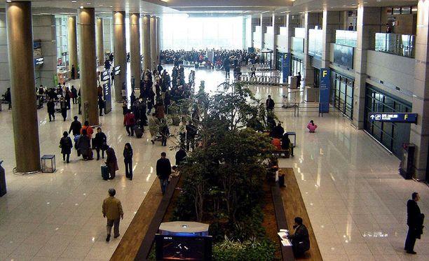 Incheonin kansainvälinen lentokenttä on Etelä-Korean suurin ja yksi Aasian isoimmista lentoasemista. Se sijaitsee noin 50 kilometriä Soulista länteen.