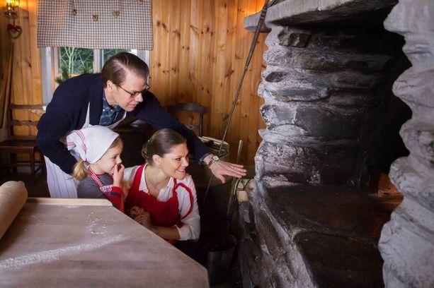 Ruotsin kruununprinsessaperhe leipoi tervehdyksessään.