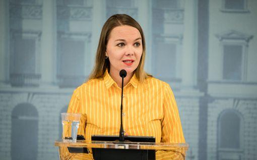 Ministeriö tutki Kulmunin puhekoulutuksen jättilaskun: kokonaishintaa ei sovittu – toisen ministeriön hankinnat paljastuivat myöhemmin