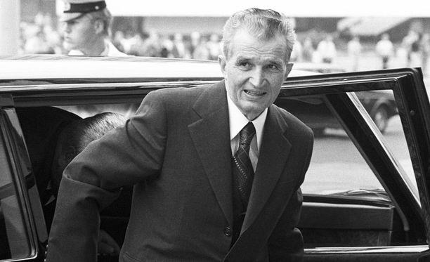 Nicolae Ceausescun poika sai länsimaisia VHS-elokuvia omakseen, joskaan Zamfir ei halunnut tavata häntä.