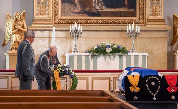 Mauno Koiviston hautajaisia vietetään tänään helatorstaina.