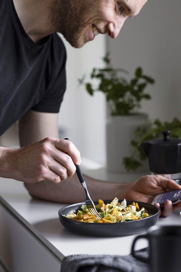 Hetki-tuotteet sopivat mainiosti kenelle tahansa ja nautittavaksi milloin vain. Joko sinä maistoit suomen suosituinta salaattia tai uutta haastajaa?