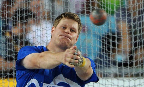 Olli-Pekka Karjalainen kummeksuu dopingfarssia, joka vei häneltä lopulta MM-mitalin.